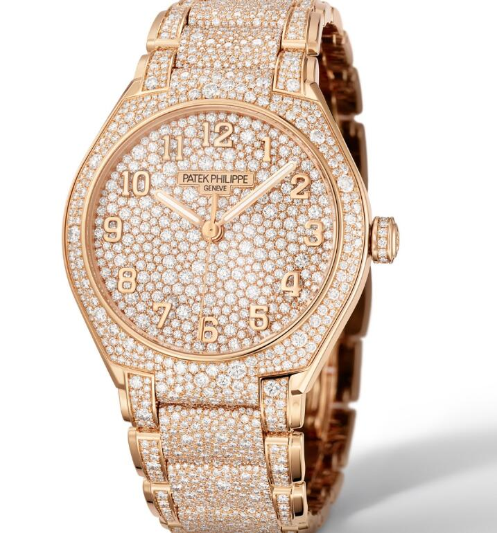 The diamonds paved on the timepiece present the brand's high level of craftsmanship.