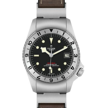 The timepiece has perfect reproduced the appearance of the original model.