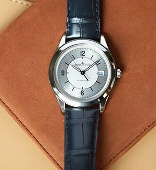 The ultra thin case makes the Jaeger-LeCoultre very suitable for formal occasion.