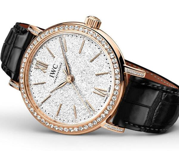 Luxurious and elegant, the IWC Portofino is a best choice for modern ladies.