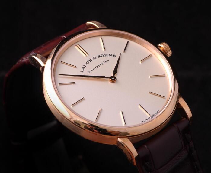 Delicate fake watches are designed with 37mm for men.