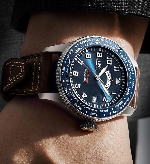 Swiss replica watches give men the fresh feeling with blue color.