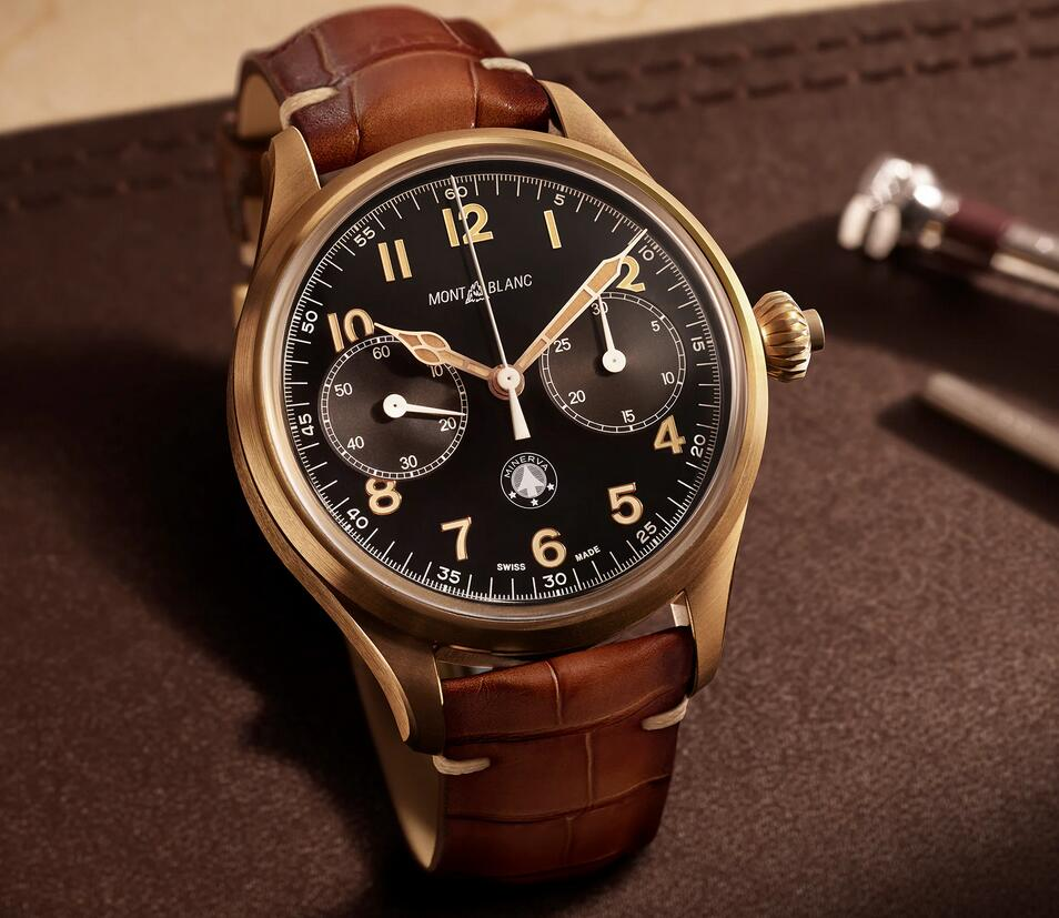 Large with 46mm in diameter, the fake watches clearly indicate the details.