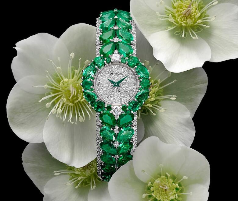 Emeralds make the fake watches online show very energetic green luster.